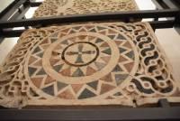 Fragment oryginalnej kamieniarki z katedry w Pizie, Museo del Duomo, Pisa