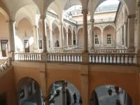Dziedziniec Palazzo Doria-Tursi (zwany też Palazzo Niccolo Grimaldi), zbudowany w Genui przy Via Aurea (Strada Nuova) przez Domenico i Giovanniiego Ponsello po 1565 roku