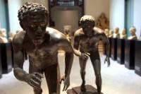 Rzeźby w Muzeum Archeologicznym w Neapolu